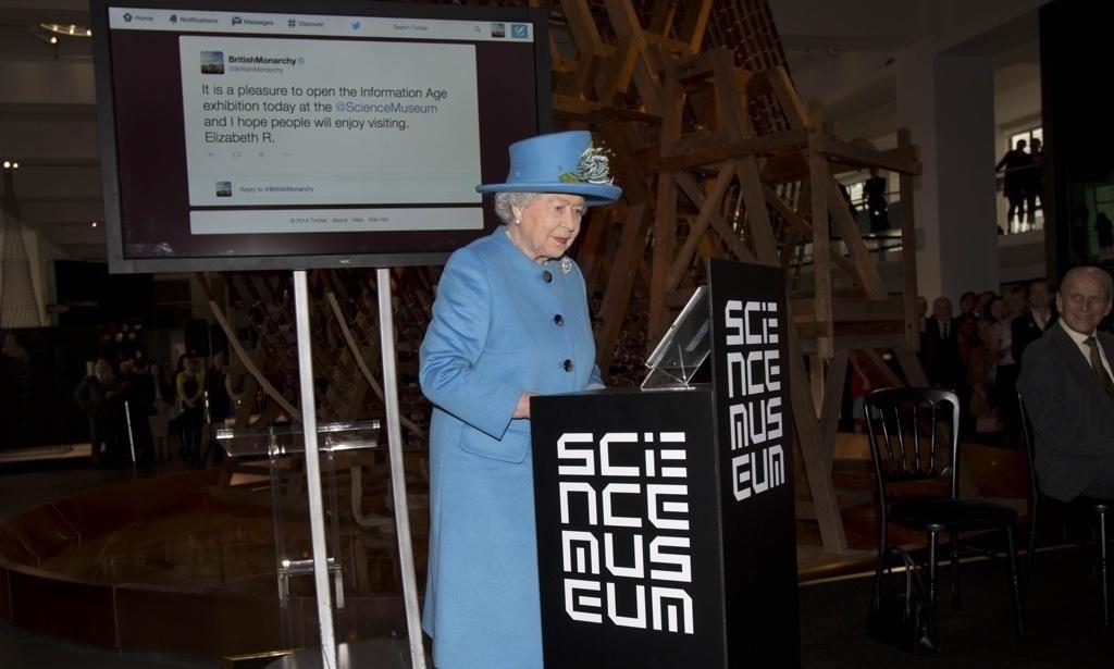 The Queen sends first Tweet